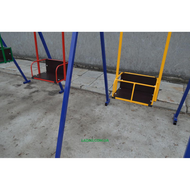 Тройные уличные металлические качели Гойдалка-4 (под бетонирование)