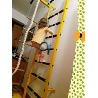 Как использовать шведскую стенку детям до 3 лет